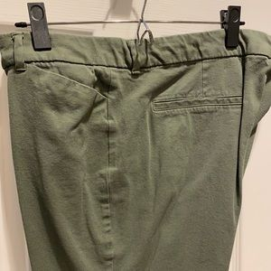 Old Navy Pixie pants 16 Olive Green